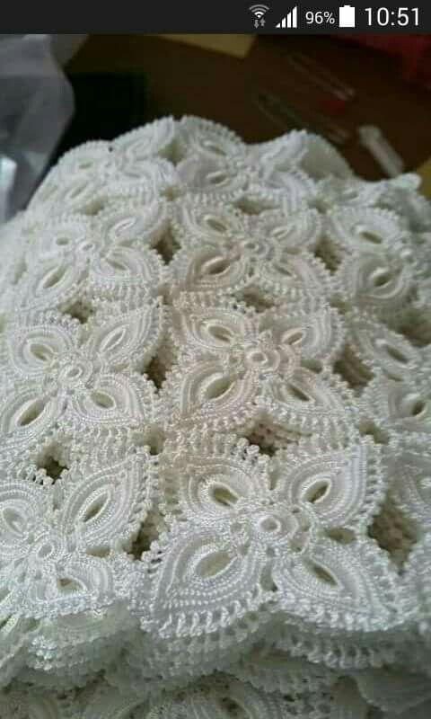 White Showcase Coffee Table Lace