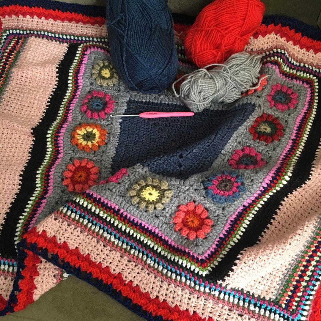 Bir Yandan Mutfakta Kışlık Hazırlıkları Örgübattaniye - Knit Blanket