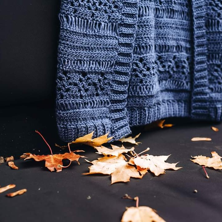 Autumn Shows Us How Beautiful It Is To L Lindaskuja - Crochet Cardigan