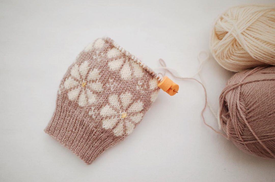 ✿ 빈티지한 느낌으로 ✿ ✿ ✿ ⠀ ⠀ ⠀ ⠀ 첫번째오늘 블루밍양말 블루밍양말 - Knitting Socks