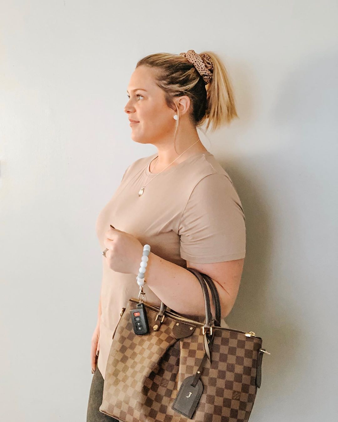 Strollin Into The Weekend Like ✌🏼! . . Braceletkeychains - Women Accessories
