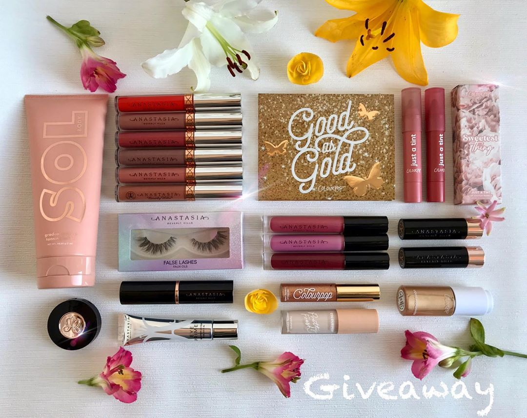 🍰🥂Birthday Giveaway💐🎁 Astazi Impline Giveawayromania - Makeup Products