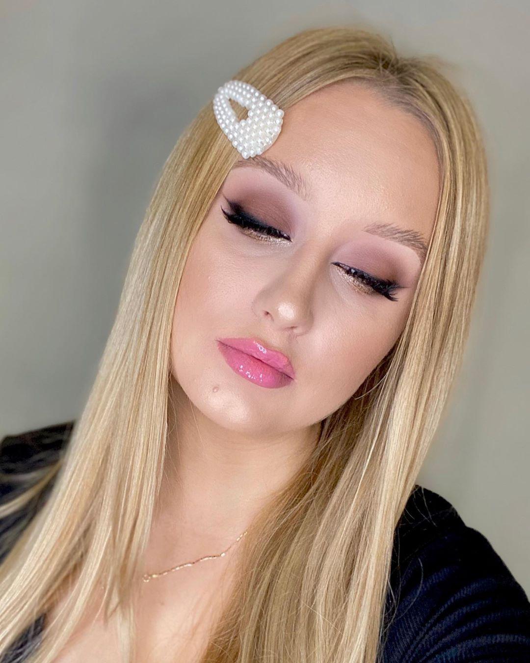 Możecie Napisać Pierwsza Myśl Jaka Przys Makeupartist - Make Up