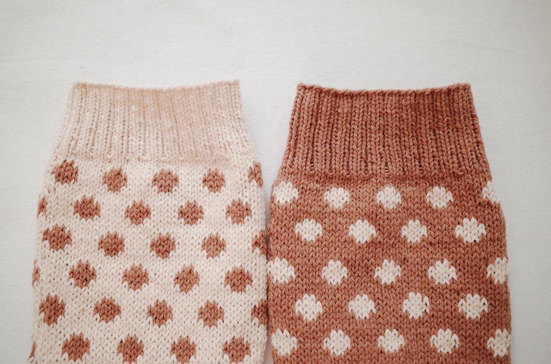✲ 같음, 다름 🤎 ⠀ ⠀ ⠀ ⠀ 첫번째오늘 코코마시멜로양말 코코마시멜로양말 - Knitting Socks