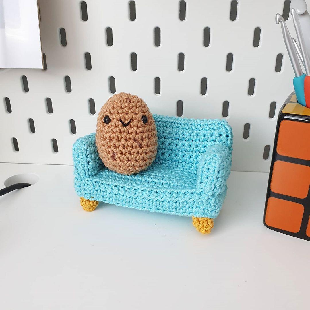 Happy Sunday...I Made A Little Couch Pot Stayhomestaysafe - Crochet