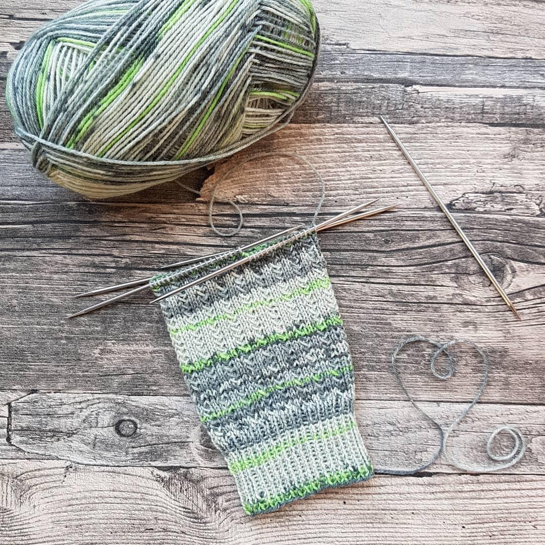 🖤💚 Das Charademuster Ist Eines Meiner Opalabomärz2020 - Knitting Socks