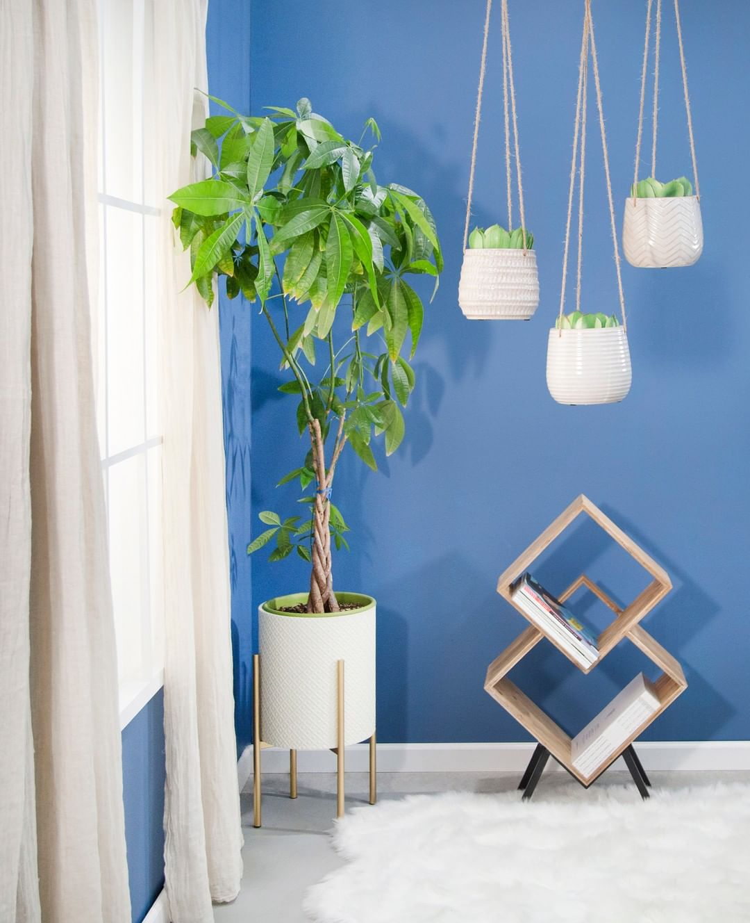 Reach New Heights In Your Decor With Han Homedecor - Home Accents