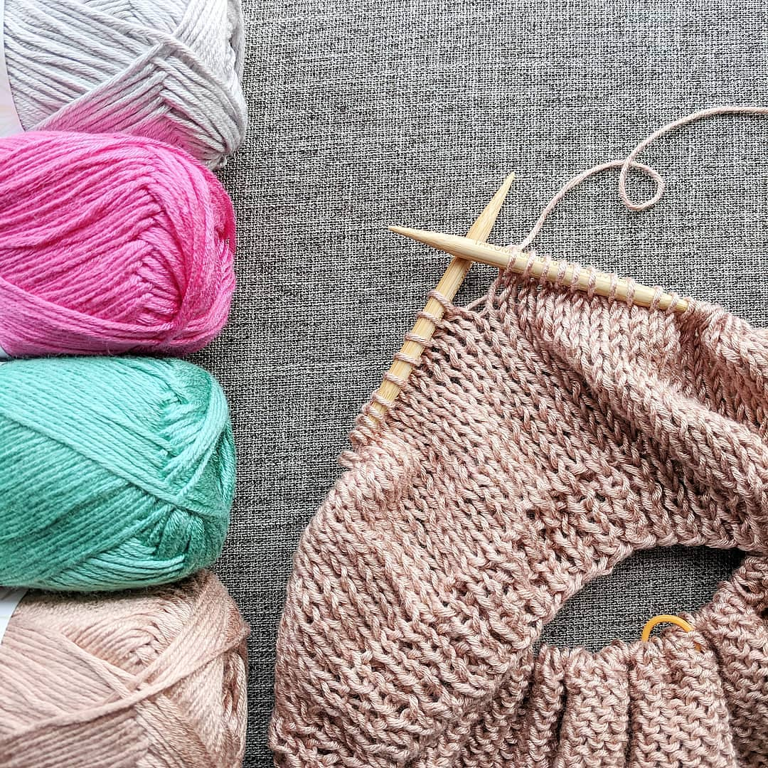 Spring/Summer Coming Soon 👋. A Neutral Lionbrandyarn - Summer Knitting