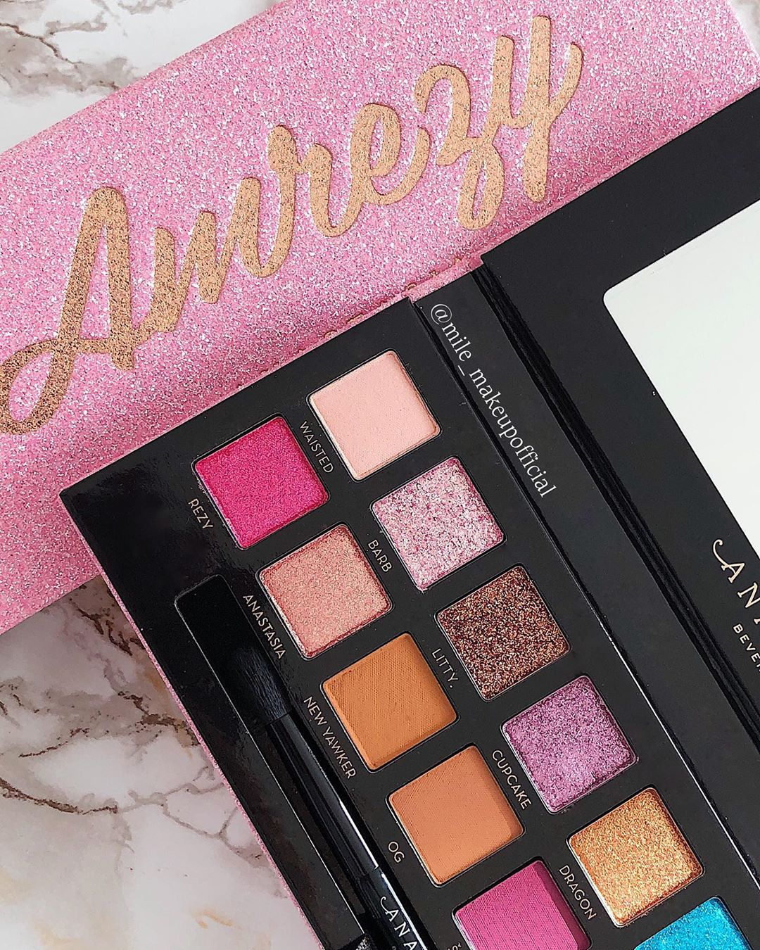 ✨𝕊𝕙𝕚𝕟𝕖 𝕓𝕣𝕚𝕘𝕙𝕥 𝕝𝕚𝕜𝕖 𝔸𝕞𝕣 Amrezy - Makeup Products