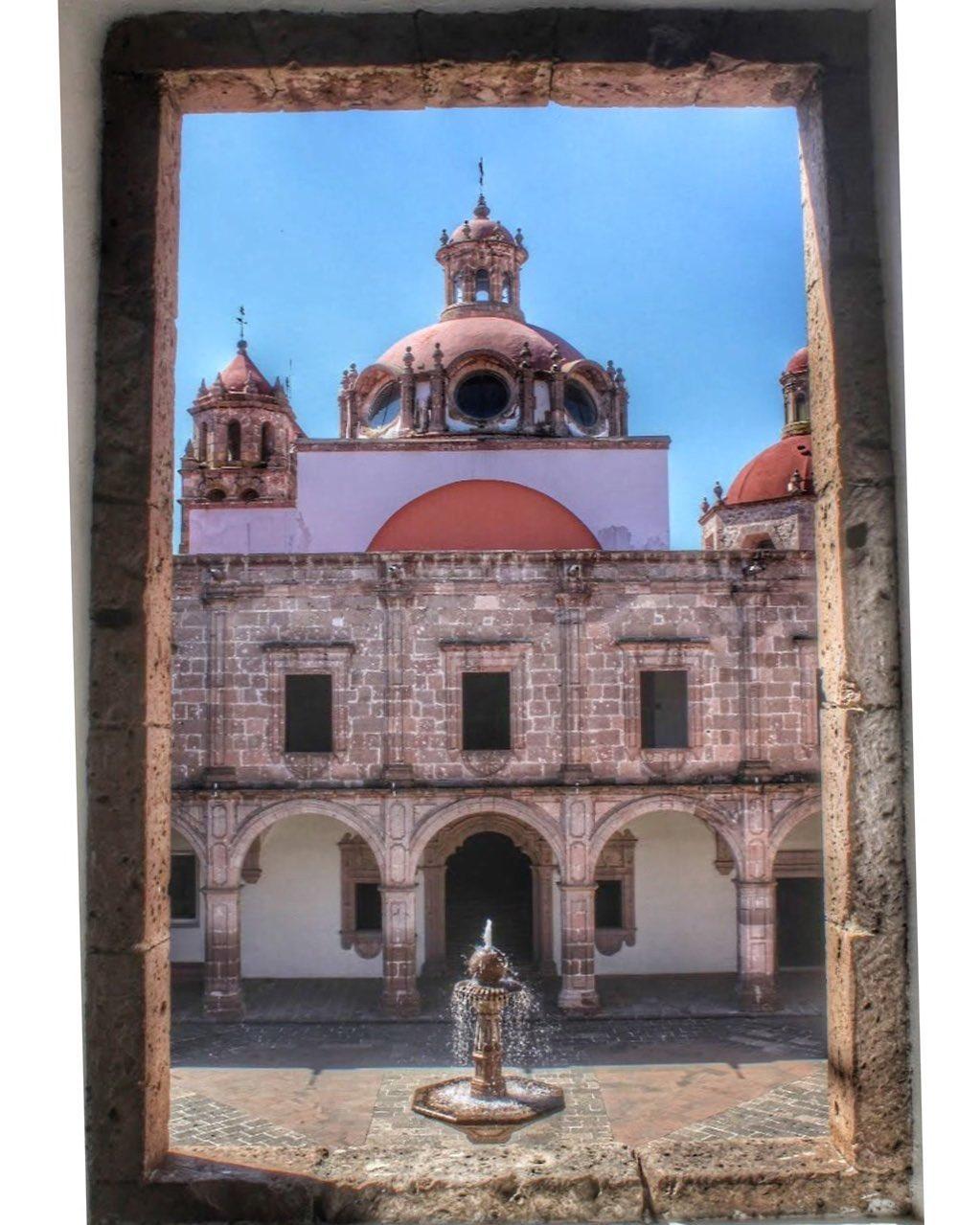 Palacio Clavijero (Centro Cultural Clavi Morelia - Travel