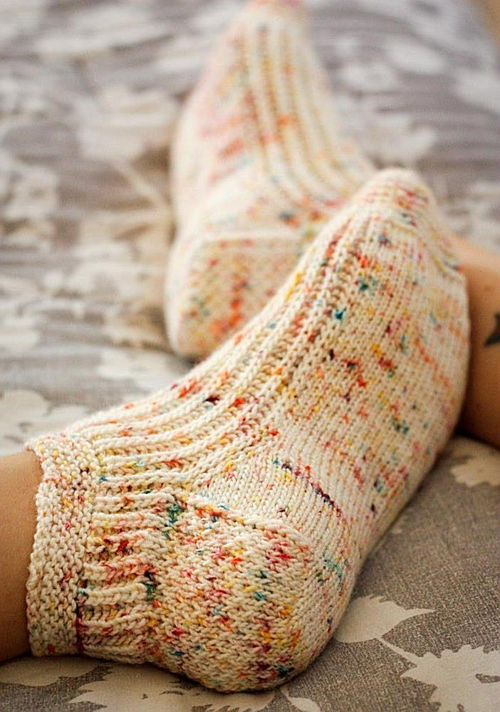 Calentito Socks Knitting pattern by Kristen Jancuk