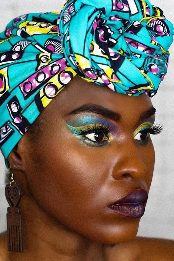 J'avais oublié a quel point un foulard pouvait sublimer un maquillage et ma passion pour eux; ma folie des foulards est en train d