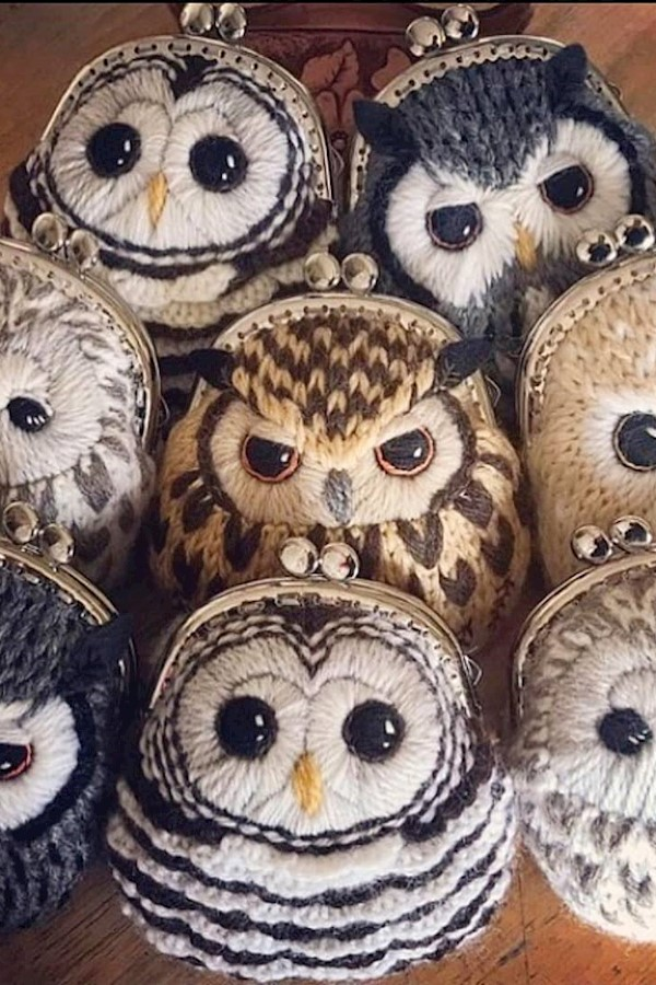Утро на работе!😂 А какая из совушек похожа на тебя?🤔😂⠀⠀Пишите в комментариях!👇🏻💬⠀⠀Автор работы неизвестен 😔⠀⠀#youfromme#owl