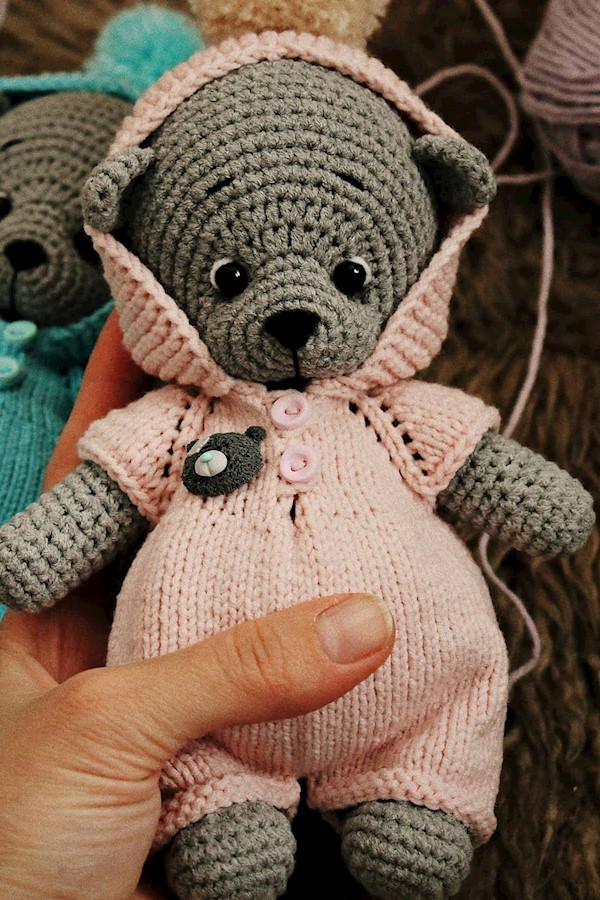 А кто, а кто там спрятался за малышкой?)___#amigurumi #weamigurumi #weamiguru #withlove #handmade #knittingtoys #knitting #toys #t