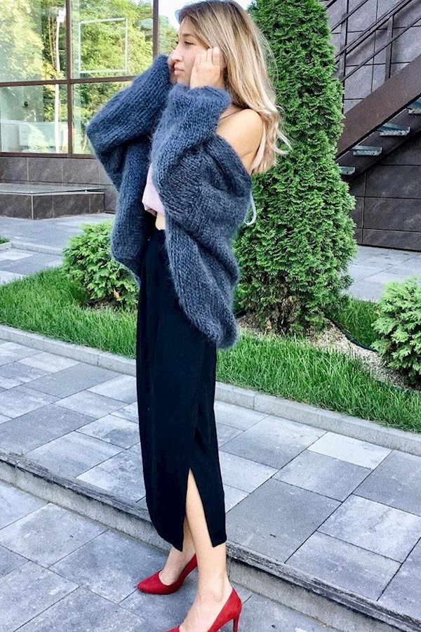 😍Asphalt mohair cardigan and lovely red pumps . .#stylediary #springsummer2019#knitting_is_love #knitwear #knitting #fashion #kni