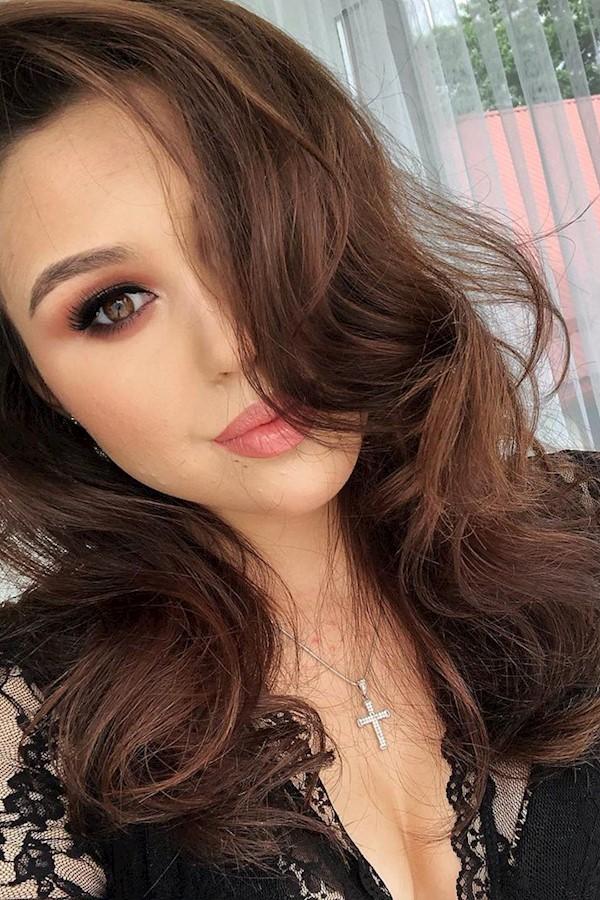 Сама собі перукар 🤗😂❤️•••#макияжглаз#вечерниймакияж#collagen#smokyeyes#like#mua#horodok#me#Horodok#hair#volume#brows#makeup#макі