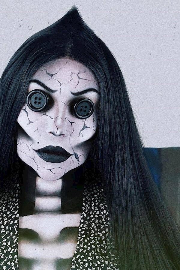By @tedyanaabrahams 🖤🖤🖤#gothgoth #gothgirl #gothstyle #gothmodel #grunge #gothmakeup #alternativefashion #nugoth#gothsofinstagr