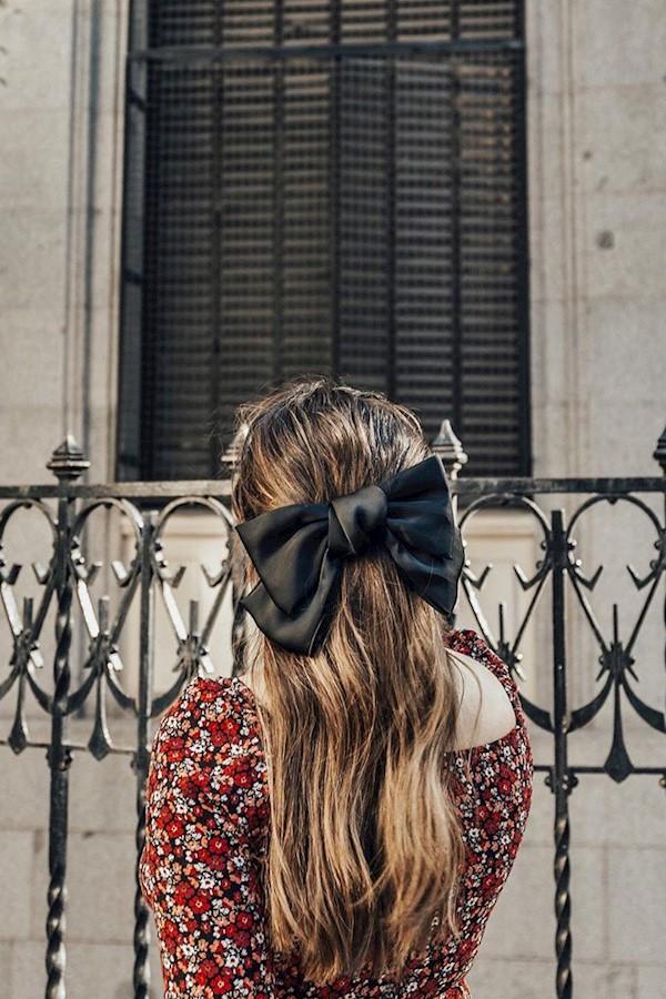 🎀 Ribbon #hairstyle #whatIwear #mystyle #fashionblog Nunca me gustó un lazo en la cabeza cuando tenía que llevarlo. Hoy me encant