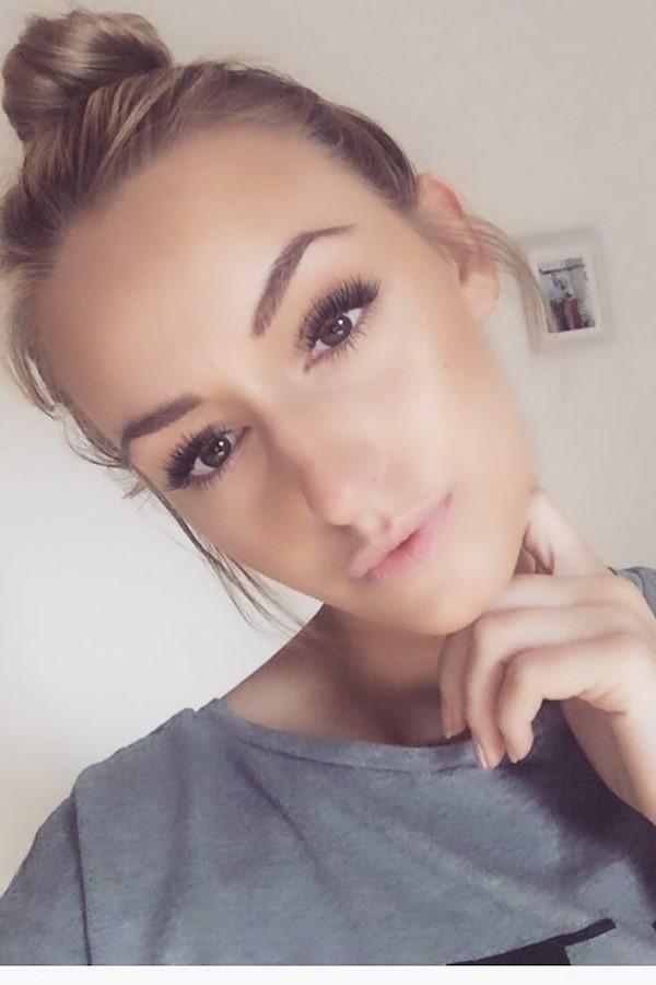 #goodmorning #aufdemweg #zumfrisör #selfie #natural #hair #goodday #filter #me #calvinklein #me #hairstyle #lashes #instagram #ins
