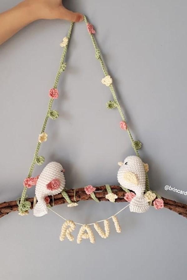 Porta Maternidade Amigurumi - Preguiças | 900x600